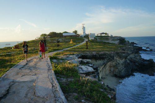 Punta Sur - sculpture trail