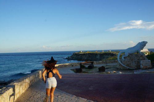 Punta Sur - Iguana Statue