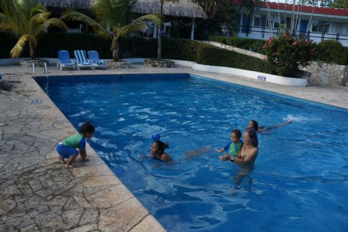 Palenque hotel pool life