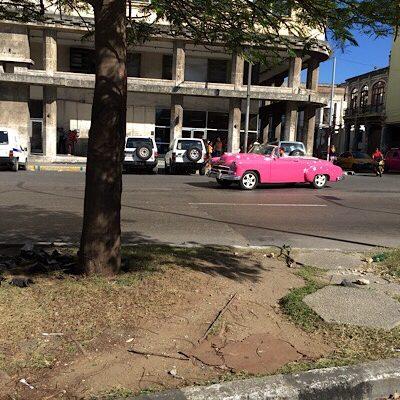 cuba-pink-car.jpg